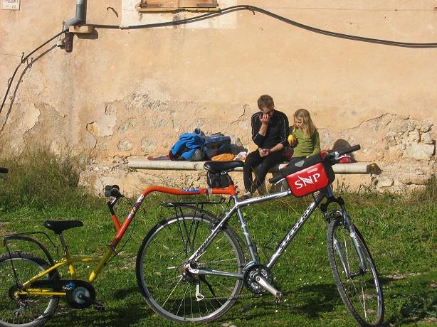 Scape Travel, Qué hacer con las maletas si viajas a pie o en bici