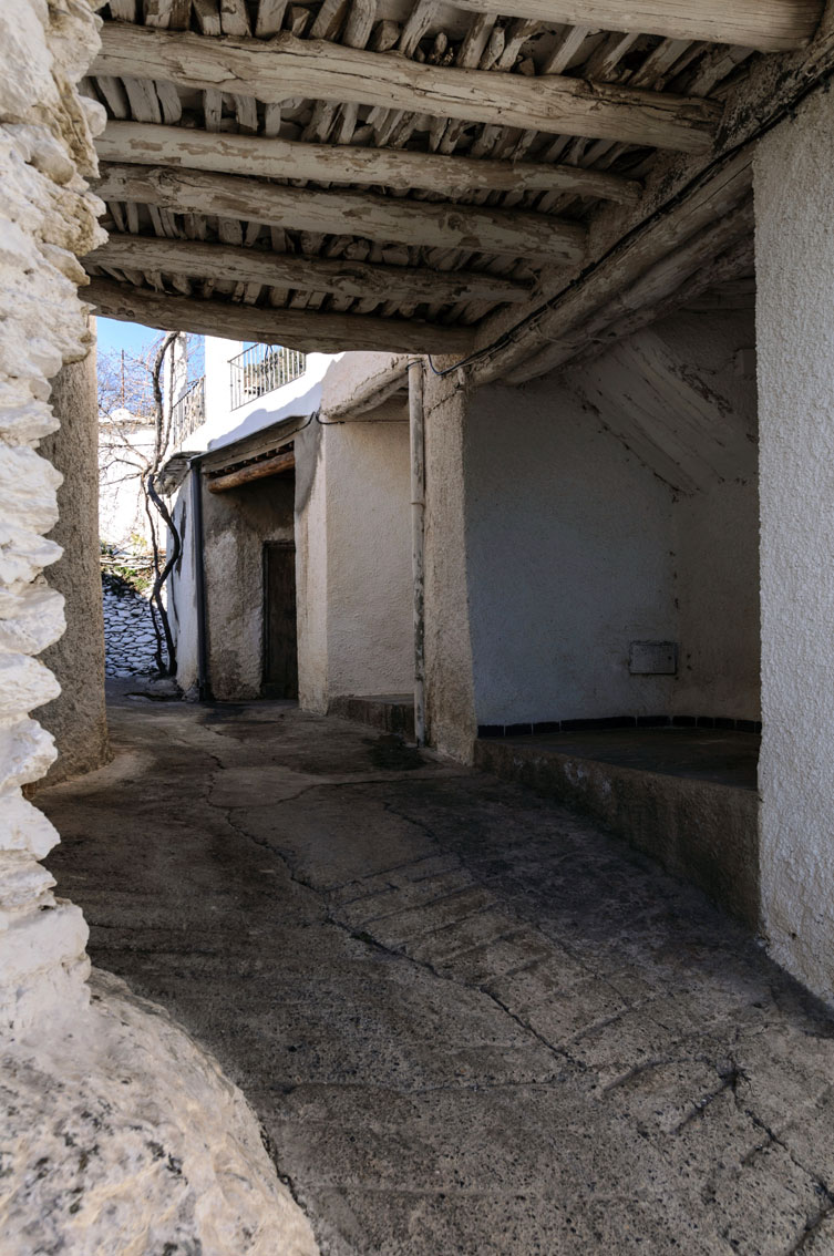 Tinaos, arquitectura autóctona en Las Alpujarras