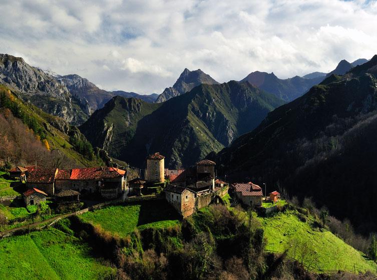 Bandujo, Senda del Oso en Asturias