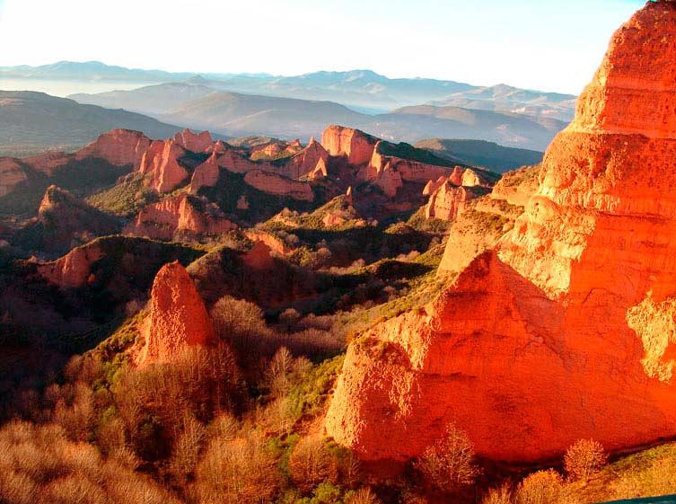 Las Médulas, una de las siete maravillas de la naturaleza en España