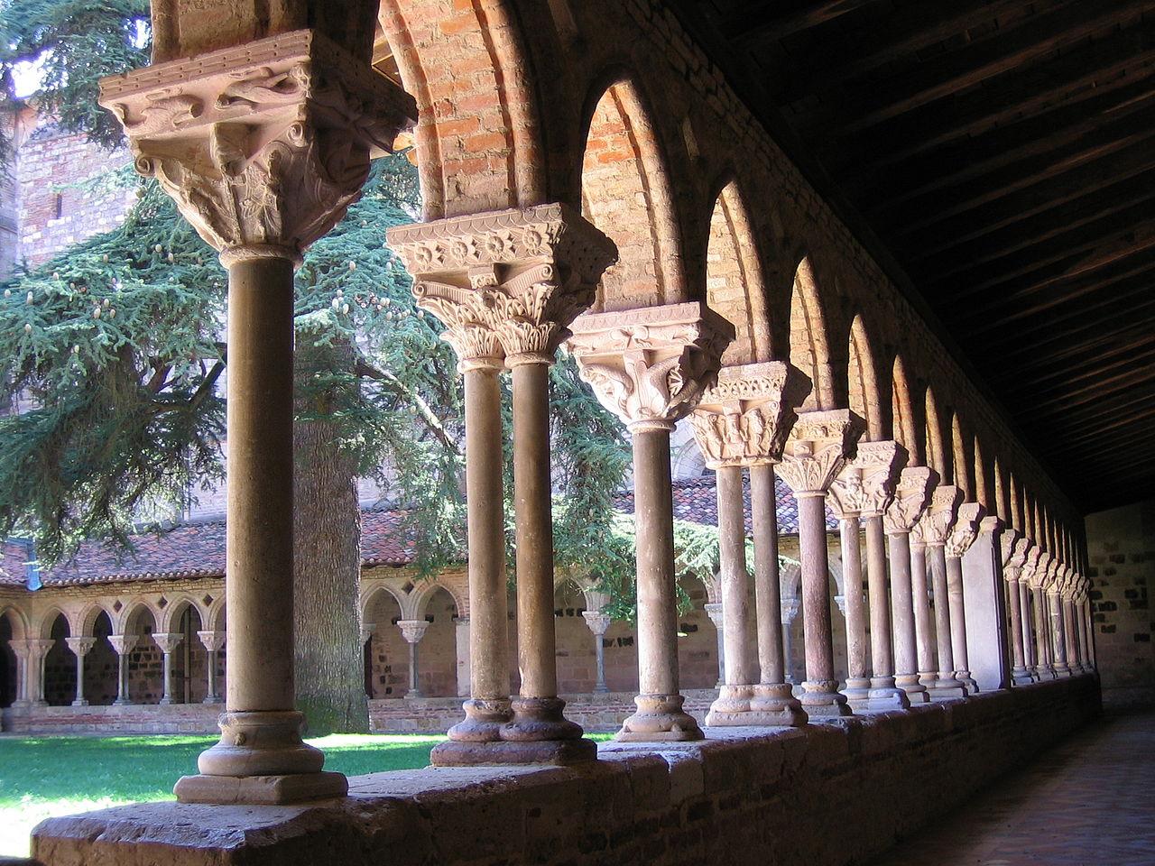 Claustro de iglesia de Moissac