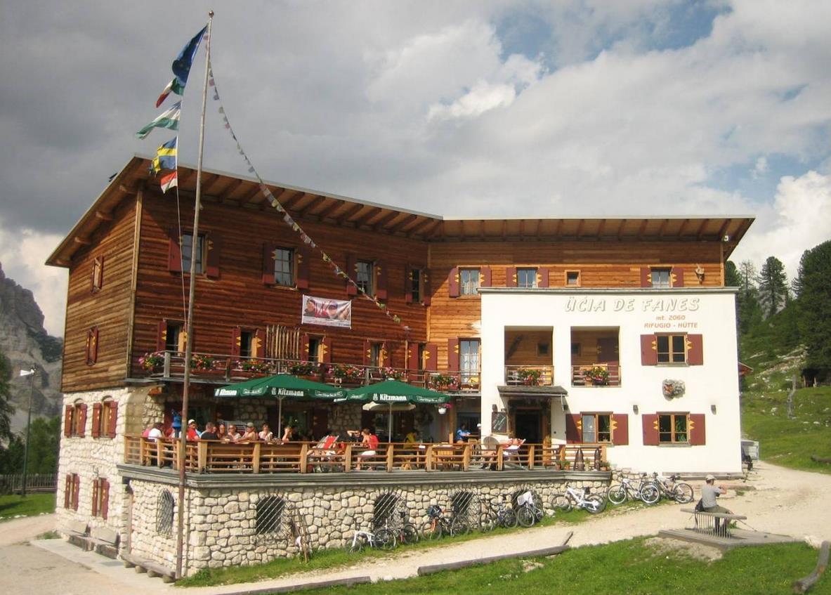 Refugio de Fanes en Dolomitas