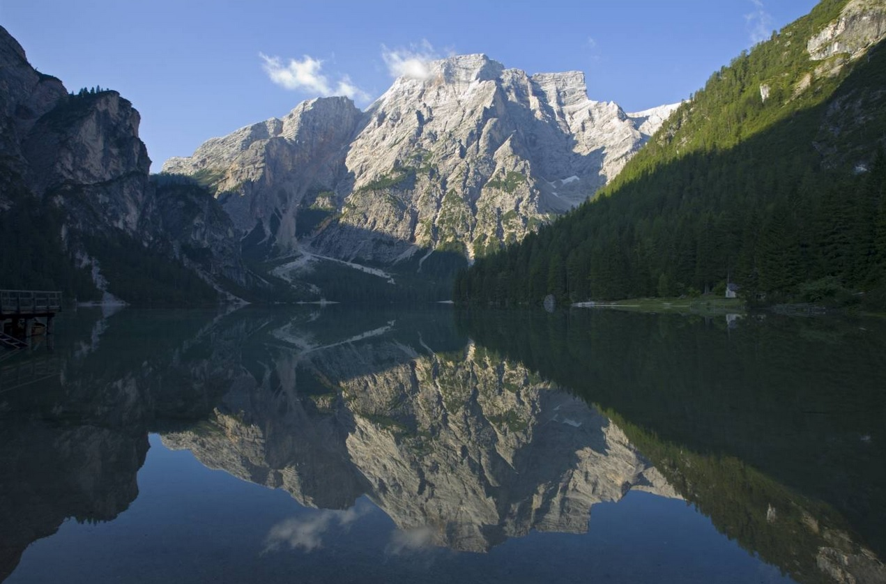 lago-natural-en-dolomitas